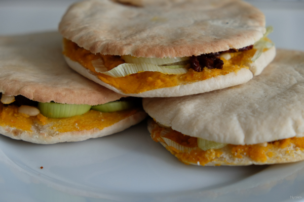 Vegan Challenge - Pita's with hummous and vegetables
