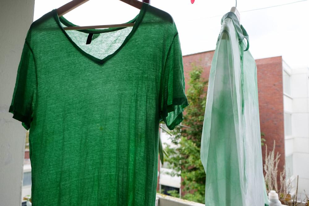 Laat je geverfde shirt goed drogen.