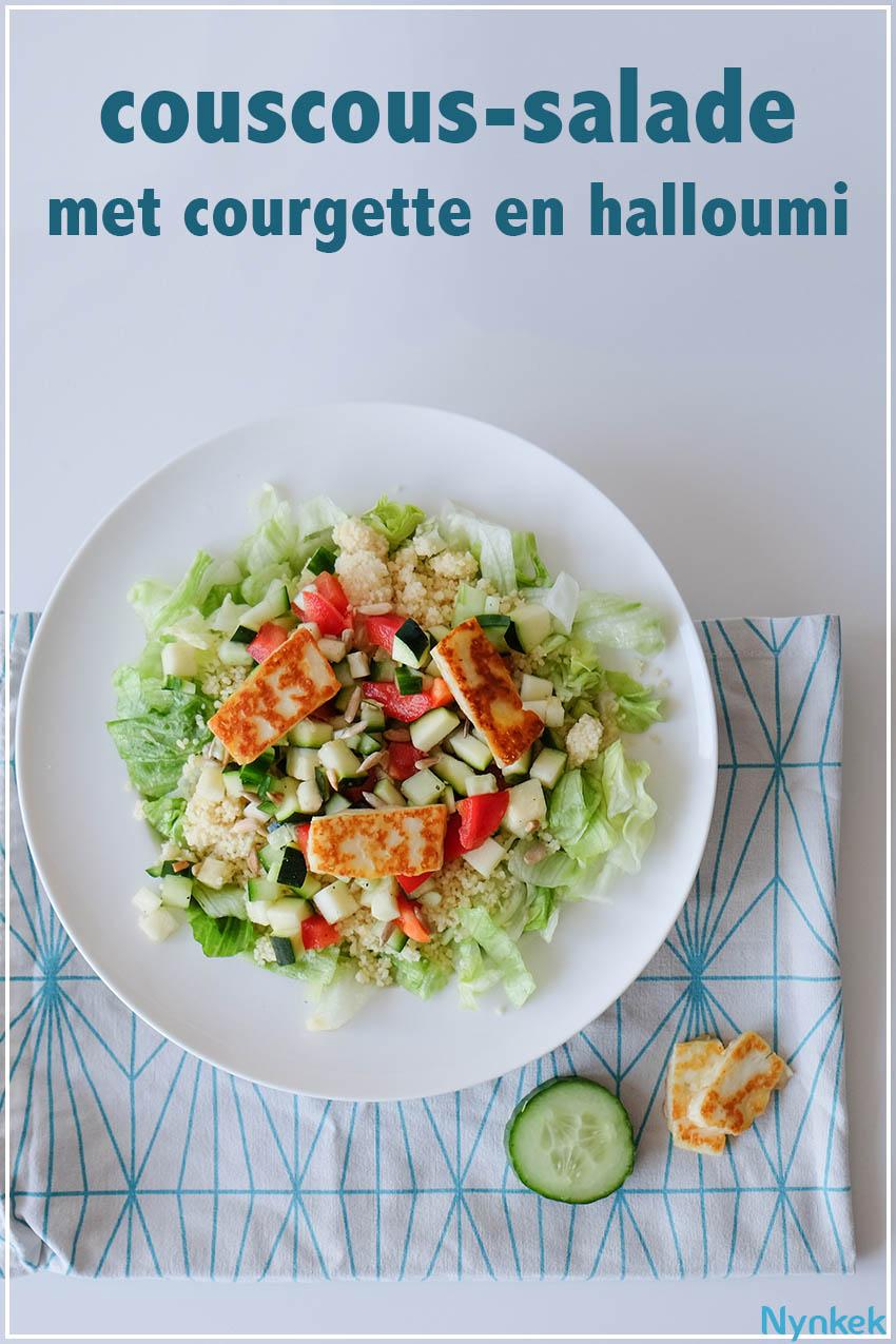 Couscoussalade met halloumi, courgette, komkommer, paprika en zonnebloempitten. Via nynkek.nl