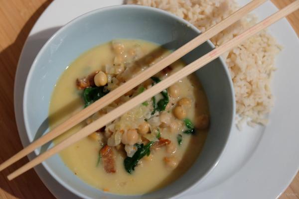 recipe: http://www.degroenemeisjes.nl/kokos-curry/