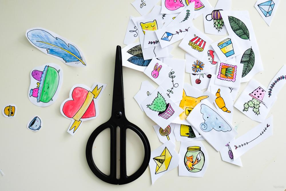 Zelf geprinte ingekleurde stickers uitknippen