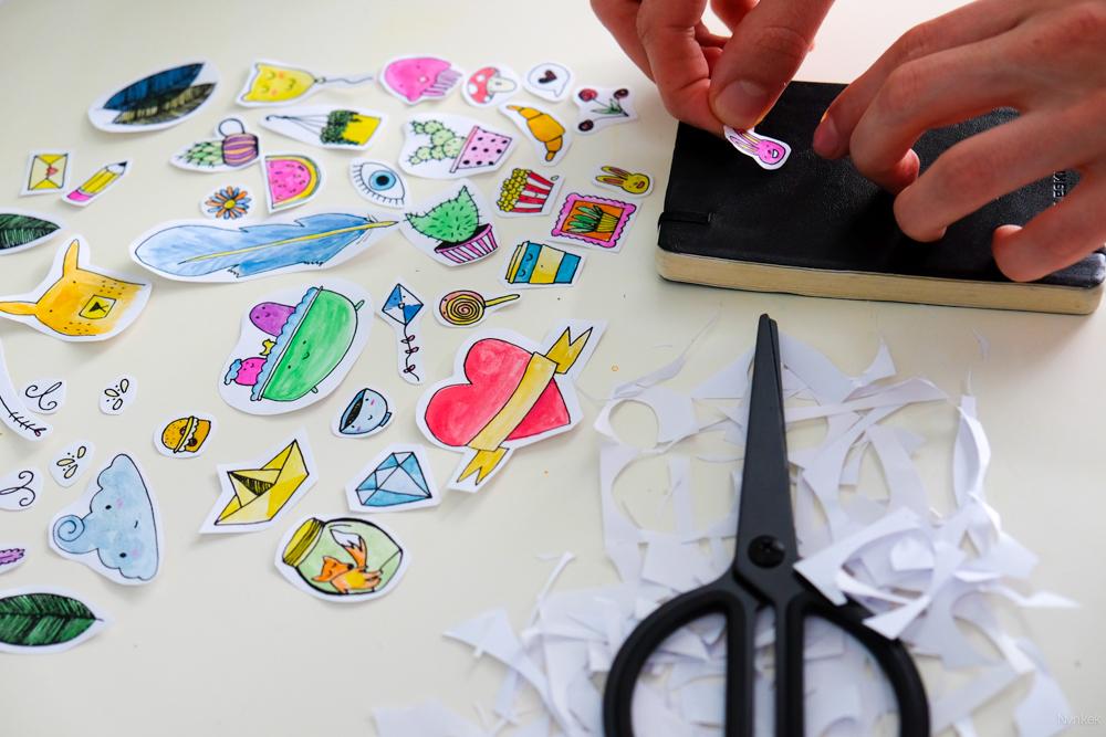 Zelfgemaakte stickers zijn klaar om te gebruiken!